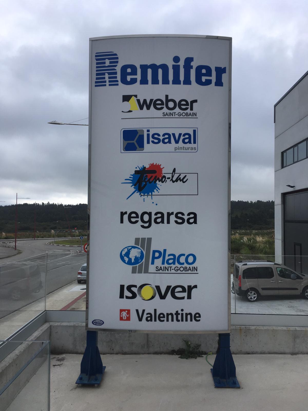 Somos distribuidores oficiales de las siguientes marcas:  * Weber (grupo Saint-Gobain) * Isaval * Tecno-lac * Regarsa * Placo (grupo Saint-Gobain) * Isover (grupo Saint-Gobain) * Valentine
